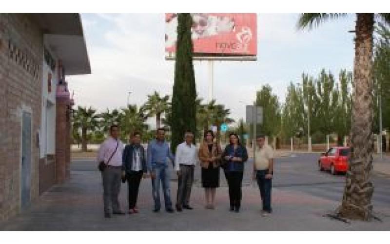 Llamada de civismo en Novosur para retirar los excrementos de las mascotas de jardines y vía pública