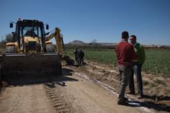 Las obras de mejoras de los caminos rurales de Alhendín avanzan a buen ritmo