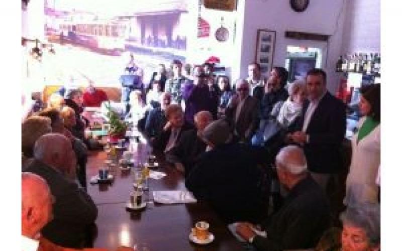 El I Encuentro Tranviario reúne a 15 antiguos trabajadores del tranvía de Granada