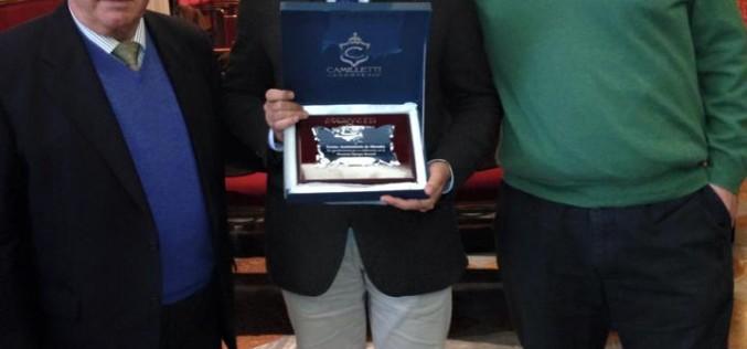 El Ayuntamiento, distinguido por la Asociación Asperger Granada