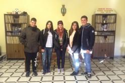 Alumnos del Instituto emiten un programa en la radio municipal
