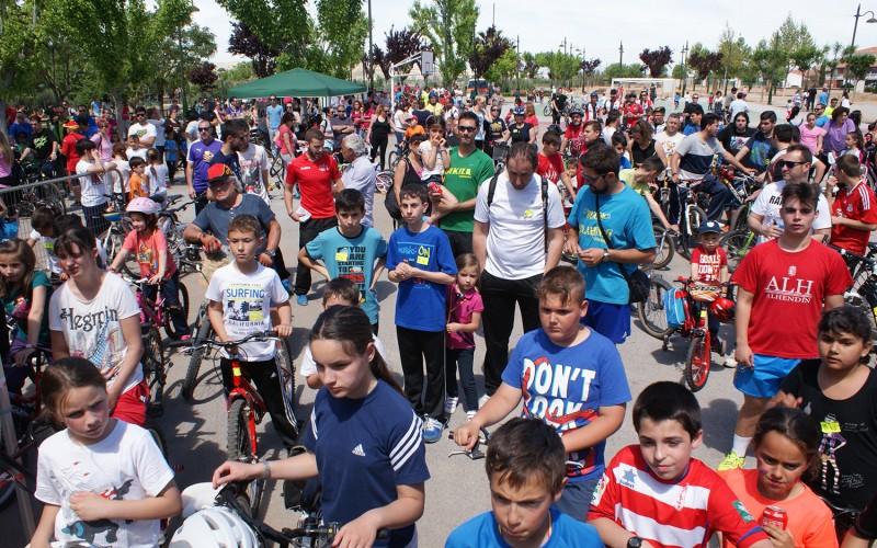 500 personas participan en el Día de la Bicicleta