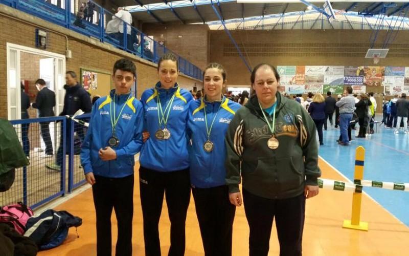 Tres oros, dos bronces y una plata para el Taekwondo alhendinense