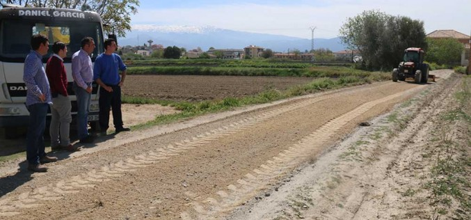 La mejora de los caminos rurales facilitará el tránsito por la vega a agricultores y vecinos