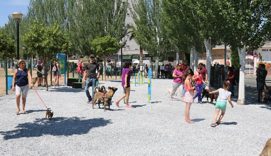 Casi un centenar de perros en la nueva Área de Expansión Canina con motivo del Día Mundial del Medio Ambiente