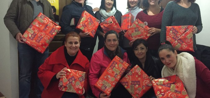 Los comercios de Alhendín se unen para regalar juguetes a los niños más necesitados