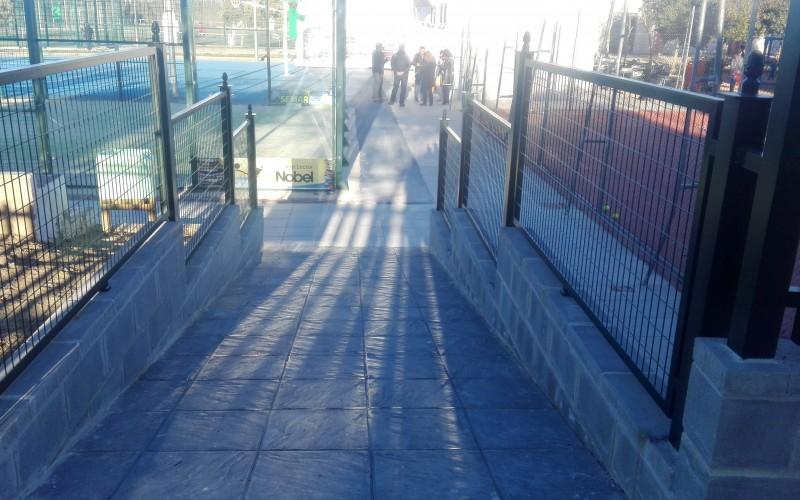 Alhendín finaliza la obra que mejorará el acceso al Polideportivo