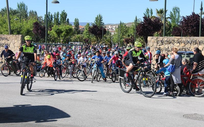 Presentada una Unidad Ciclista de Policía Local en el Día de la Bicicleta