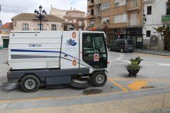 Una nueva barredora garantiza la limpieza viaria todos los días de la semana y amplía el servicio a la tarde