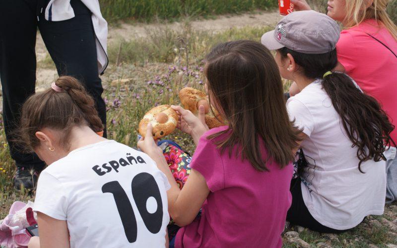 Alhendín revive la tradición de San Marcos con una ruta senderista y una jornada de convivencia escolar