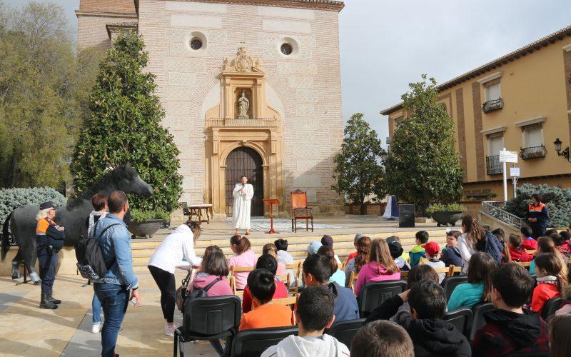 Escolares de Alhendín conocen la historia de su pueblo a través de rutas teatralizadas